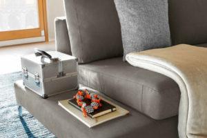 divano moderno Job particolare