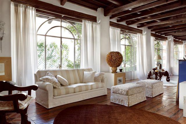 Camelia convert casa arredamento interni design for Arredare un salone classico