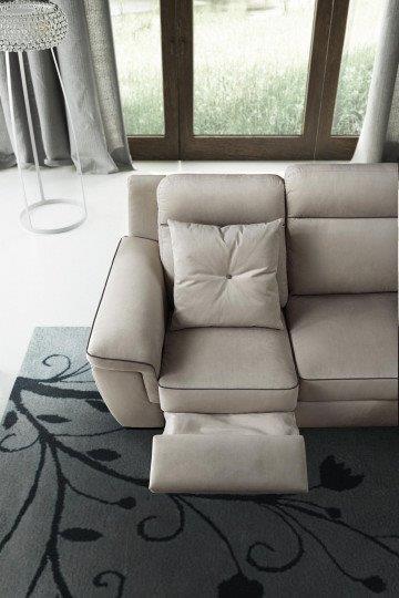 Divano angolare relax convert casa arredamento interni for Divano angolare relax
