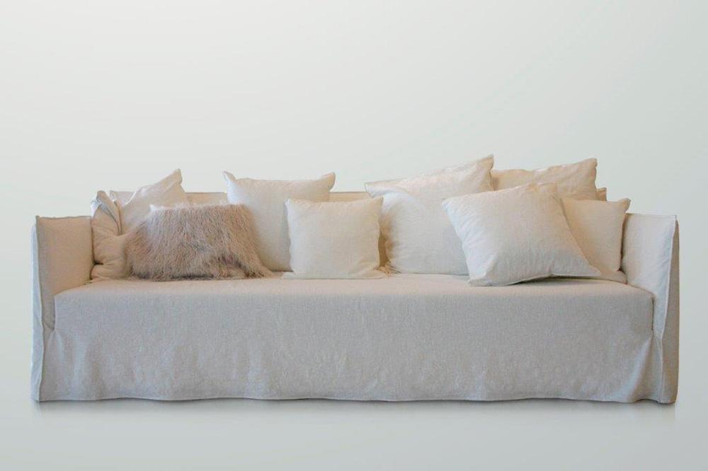 Shadow divano classico convert casa arredamento for Arredamento in saldo