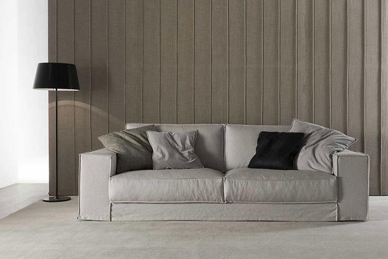 divano su misura chiaro